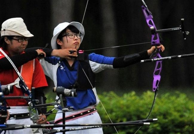 飯塚、野田 帯三条男女そろって優勝 道高体連アーチェリー