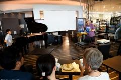ジュエリーアイスとピアノが競演 浦島さんトークショー 3