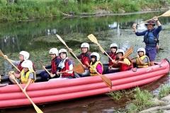 障がいをもつ子供たちが川遊びを満喫 市社会福祉協議会