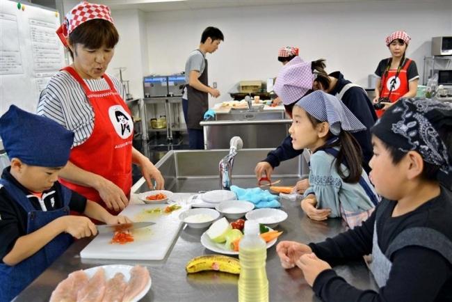 児童が収穫と調理体験 豊頃