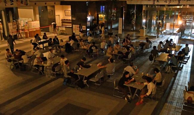とかちプラザ1階フロアを開放 不安な夜
