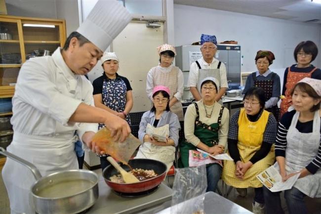 創作に挑戦 新得で北海道ホテル工藤総料理長の「そば料理教室」