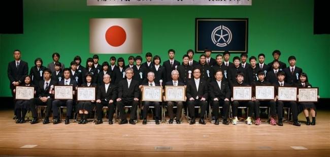 市スポーツ賞贈呈式 高松氏、森田氏らを表彰