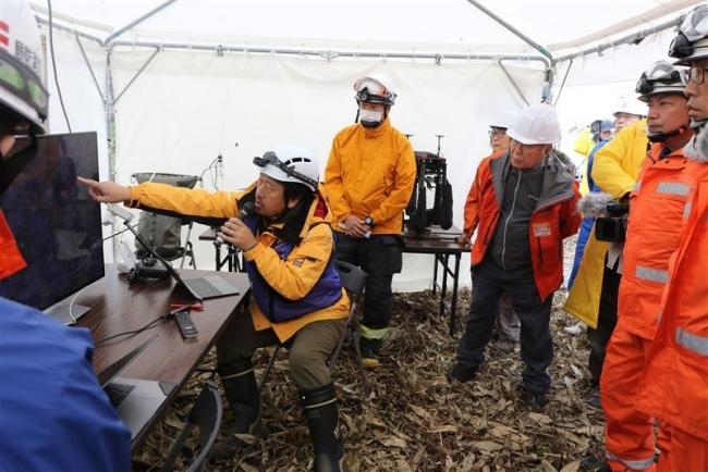 消防関係者も参加し捜索合同訓練 山岳救助ロボコン