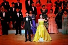 節目舞台に盛大な拍手 市民オペラの会20周年記念演奏会