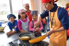 料理やクイズで食育 JA帯広大正青年部が小学校訪問