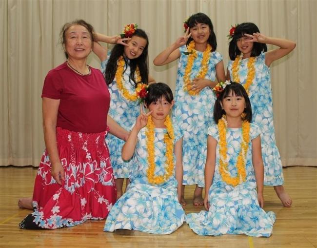 ハワイの伝統文化で元気に 御影文化少年団フラダンス部が始動