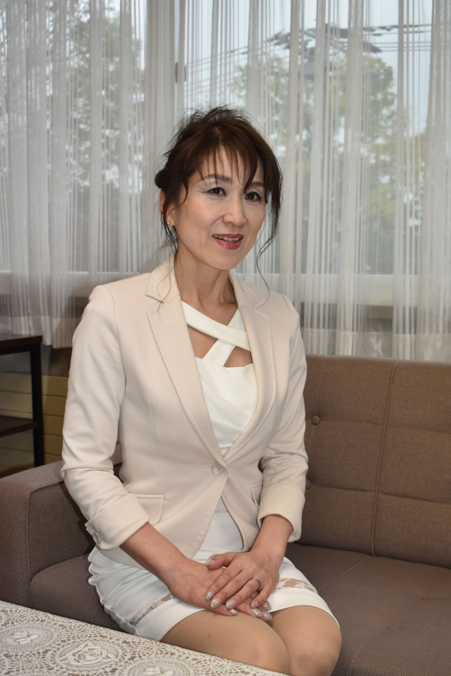 勇気出しチャレンジを ミセスジャパン世界大会出場の鈴鹿さん