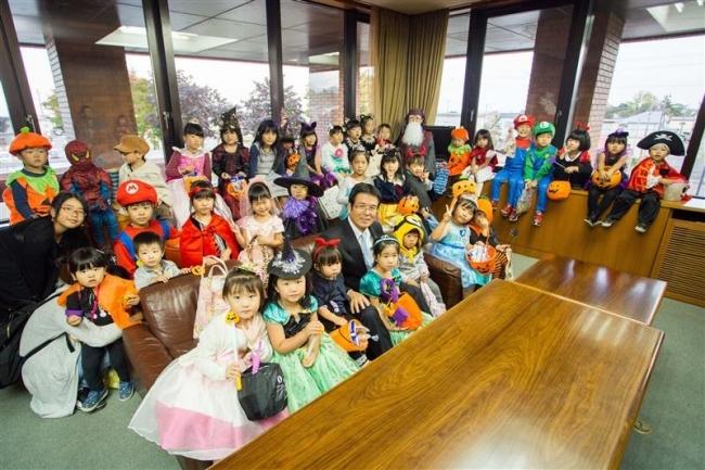 広尾 子どもたちがハロウィーンパレード