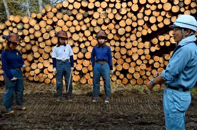 大学実習構築や担い手確保へ 林業女性と懇談 十勝総合振興局長
