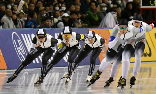 日本女子団体追い抜き盤石の強さ、スピードスケートW杯帯広大会