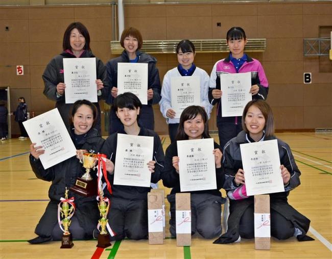 橋詰・阿部組V、勝毎杯全十勝女子室内ソフトテニス