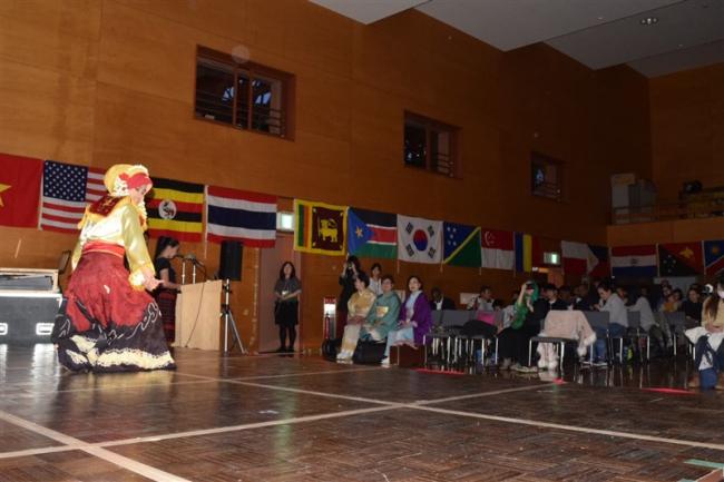 海外の伝統芸能を紹介 帯広で国際文化祭
