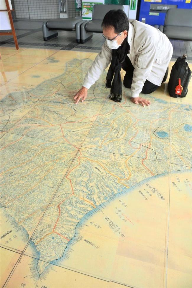 松浦武四郎「北海道国郡検討図」拡大レプリカが市役所に登場