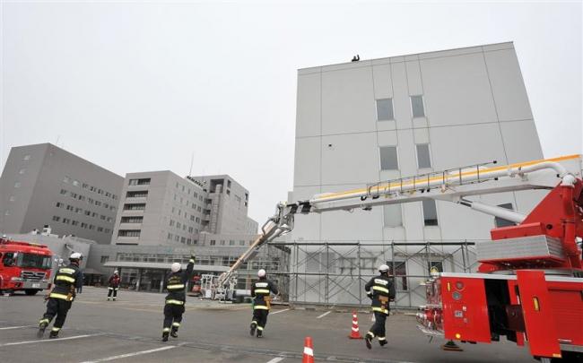 旧帯広厚生病院で消防訓練 とかち広域消防局