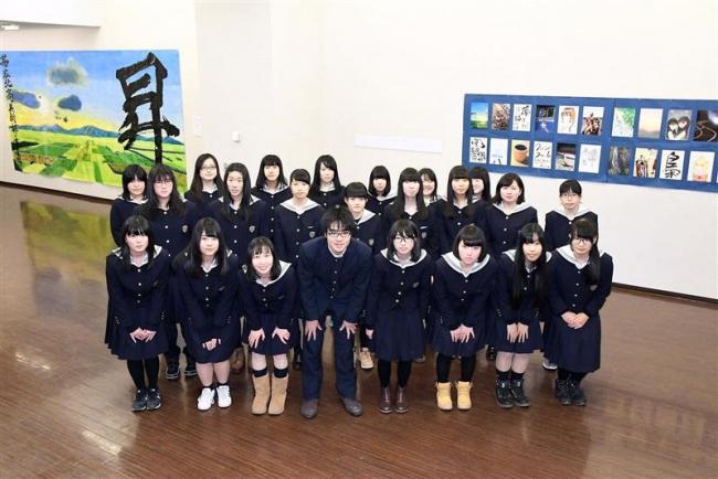 生徒らの力作並ぶ 市民ギャラリーで帯北高文化展と書煌舎展