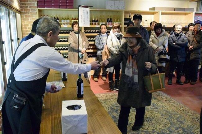 ワイン城で平成最後の初売り 池田