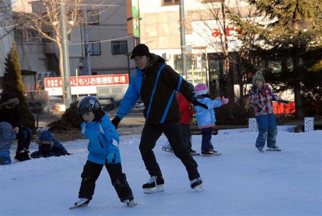 アイスパークで出島さんのスケート教室
