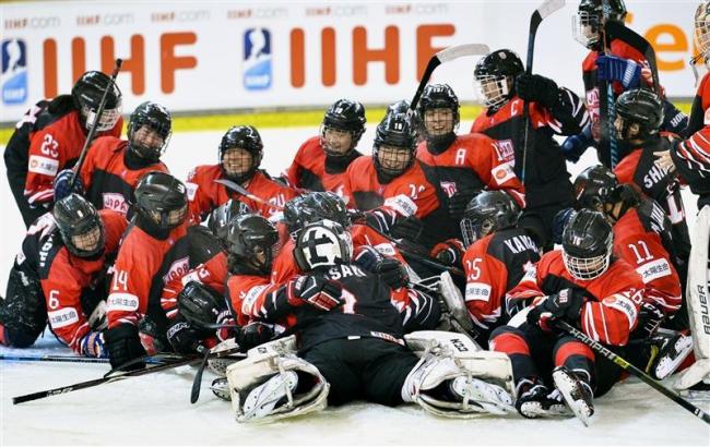 日本逆王手、残留へ闘志 U18女子アイホケ世界選手権