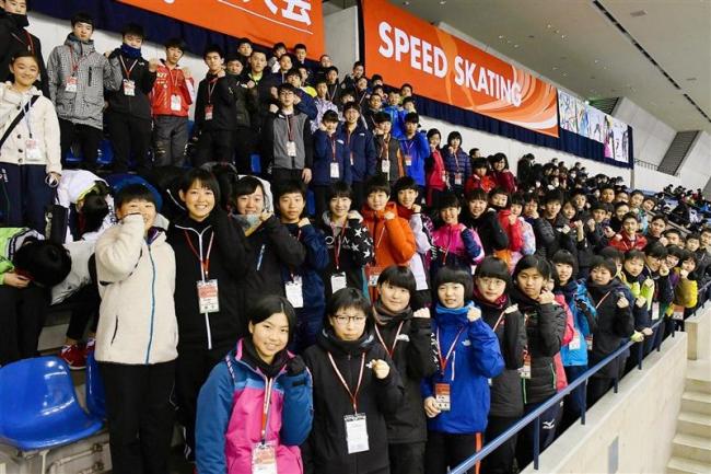 全国中学校スケート大会開幕、十勝勢81人闘志