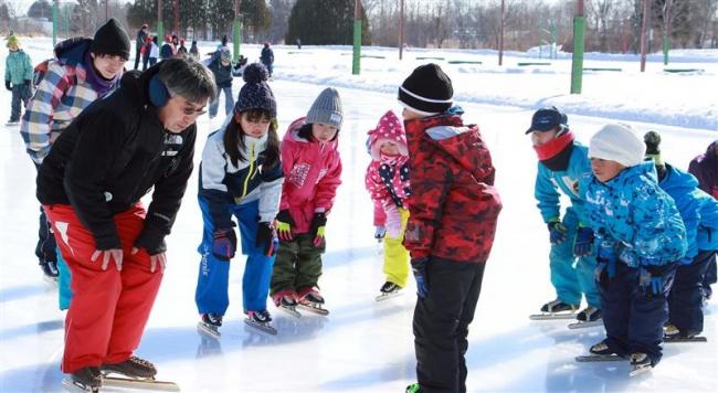 町スケート協会 大樹小授業を支援