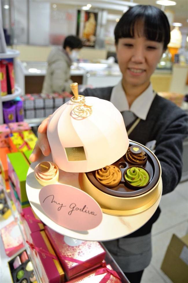 バレンタイン商戦活気 第4のチョコ「ルビー」も登場、女性向け人気