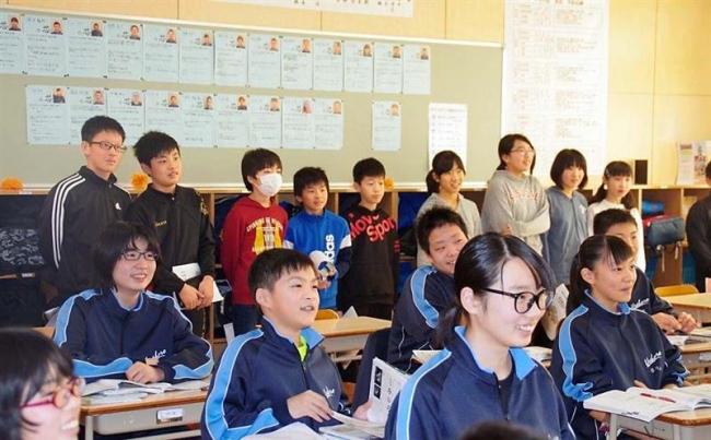 児童ら一足早く中学校で勉強 浦幌