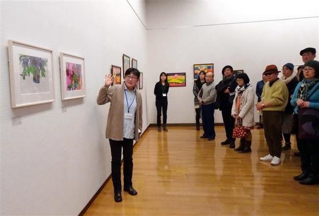 選者が作品の魅力を解説 美術館アールブリュット展でギャラリートーク