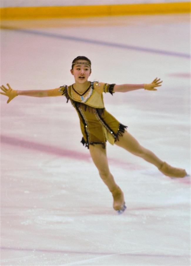 柚木シニア女子初優勝、男子は岩野 全十勝フィギュアスケート