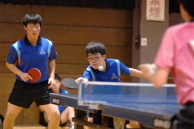 帯大谷高A、Bクラス共に全勝V マンズカップ卓球大会