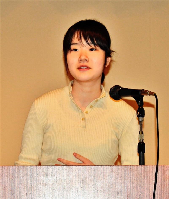 中学生作家鈴木さんらが講演 清水ミライ若者会議