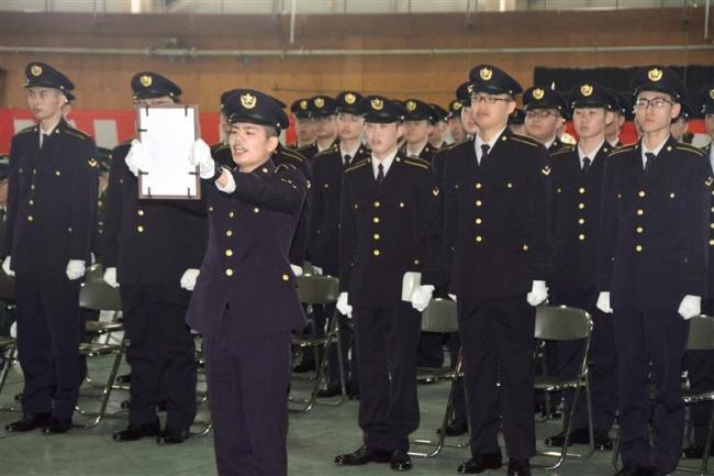 自衛官候補65人が入隊 陸自4普連前期課程入隊式