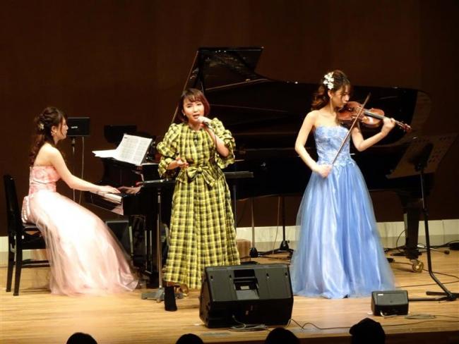 三条高同窓生2人のデュオコンサート 青山さん、野村さんが初の地元共演