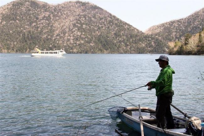 然別湖で遊漁解禁 例年より1週間早く 鹿追