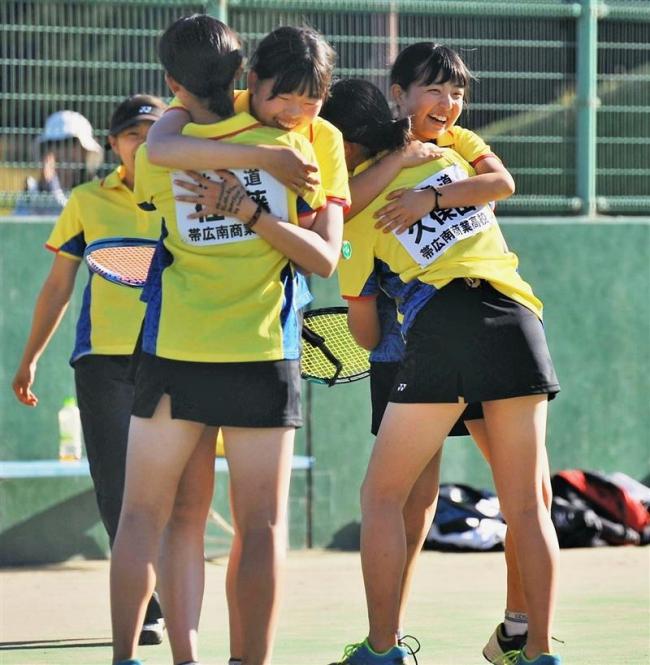 帯緑陽男子団体戦V、女子は帯南商 高体連ソフトテニス十勝支部予選