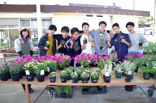 10年目の「花と野菜のスタンド」営業開始 浦幌