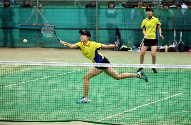 帯南商女子、帯緑陽男子8強、増田の道科学大高V 道高体連ソフトテニス