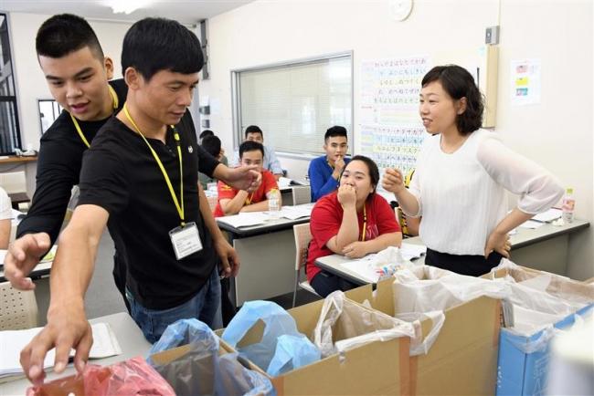 日本語教育、質向上へ力 教室開講や母国語通訳も