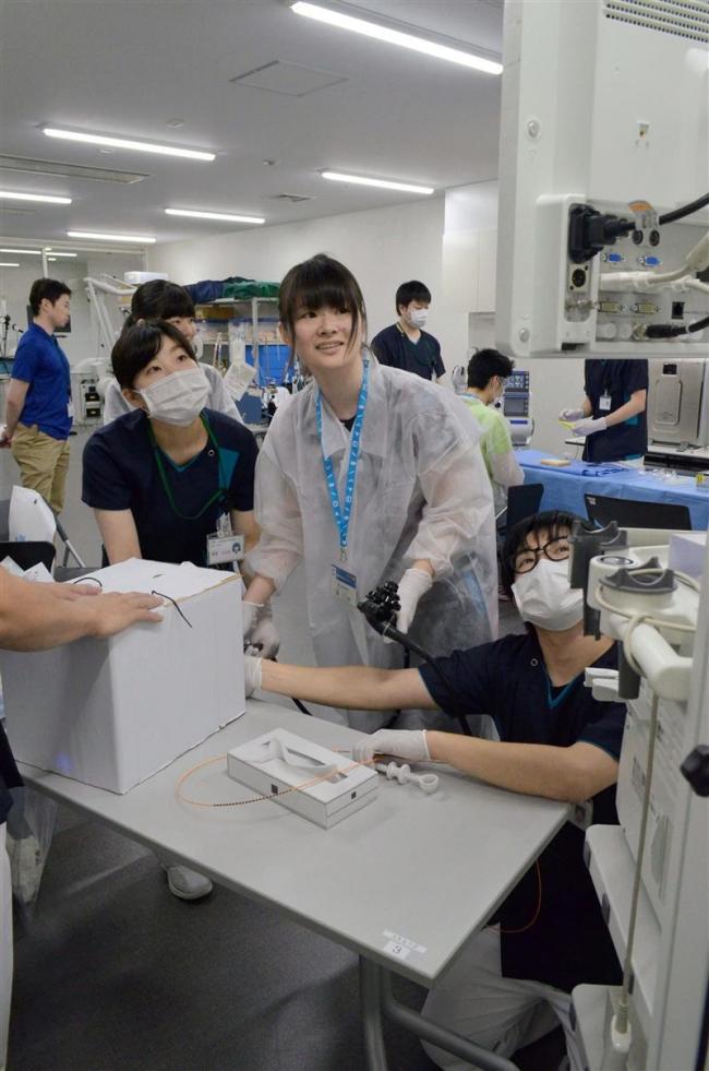 高校生が採血体験 厚生病院でセミナー
