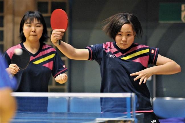 帯大谷女子学校対抗8強入り、全道高体連卓球初日