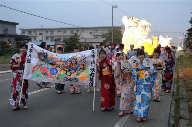 広尾祭で伝統の行燈行列 広尾高校