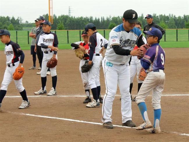 野球少年を指導 音更町スポーツセミナー