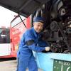 わが社の誇り(22)「北海道拓殖バス業務部整備課係長 鈴木克英さん」