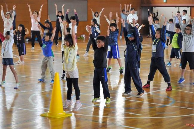 夏休み初日 小学校でラジオ体操