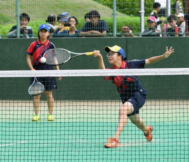 個人女子は石村・森田組、男子は竹市・秋本組V全十勝中体連ソフトテニス