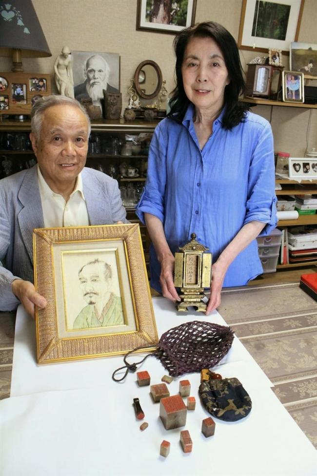 江戸時代の絵師土方稲嶺の子孫の杉浦さん 位牌などを鳥取博物館に寄贈へ