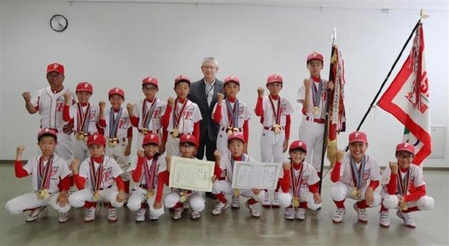 豊成ファイターズ全国大会での活躍誓う 市教委訪問
