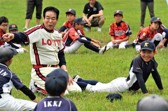 村田兆治さんら元プロによる少年野球講習会