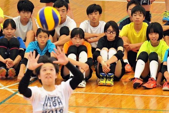 道ジュニアバレーボールキャンプ、中学生選手250人参加