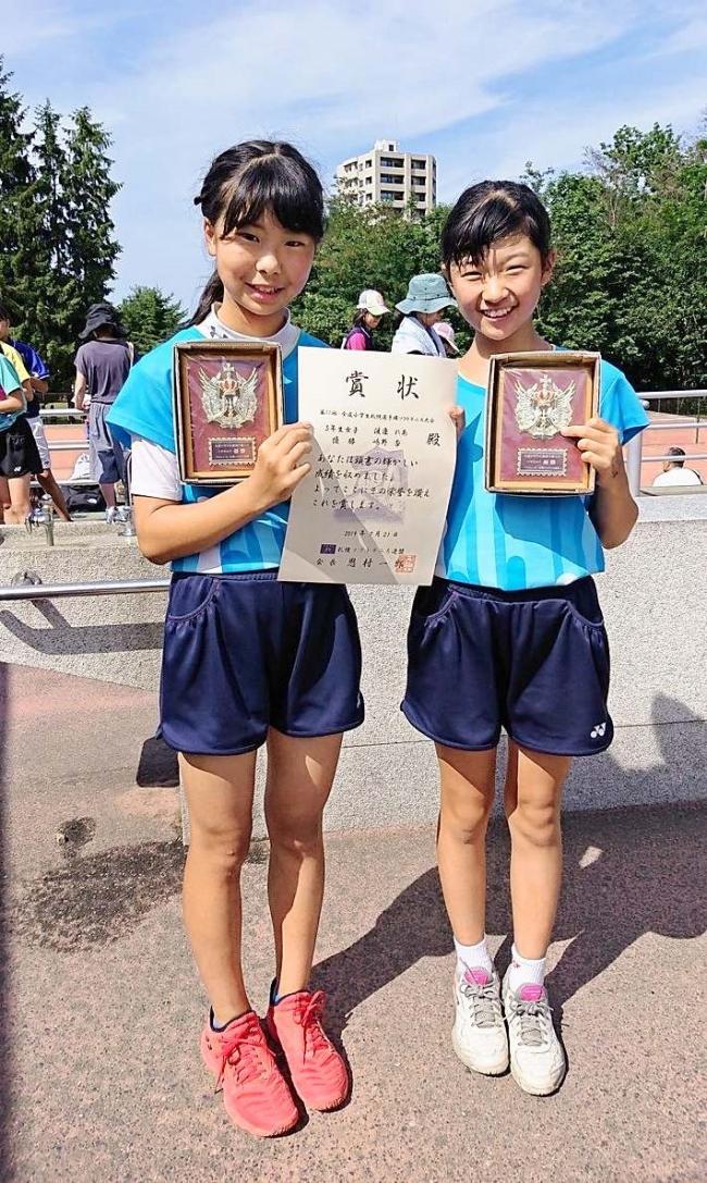 嶋野杏・渡邊れあ組優勝、全道小学生札幌ソフトテニス選手権大会